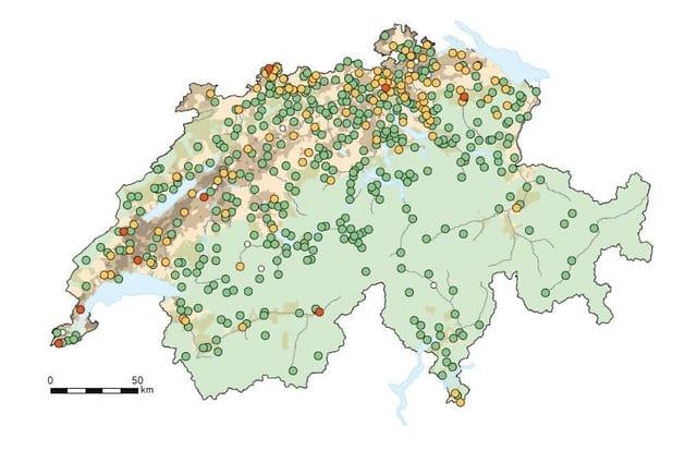 Landkarte der Schweiz mit Messstellen.