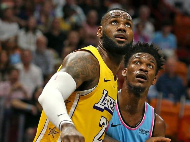Lakers-Superstar LeBron James und Jimmy Butler von den Miami Heat.