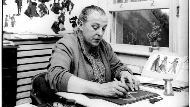 Eine Frau und ihre Filmfiguren: Filmemacherin Lotte Reiniger.