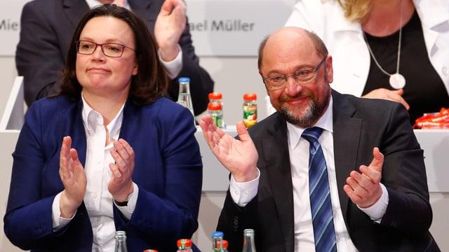 Il manader da l'SPD Martin Schulz ed Andrea Nahles, la scheffa da fracziun.
