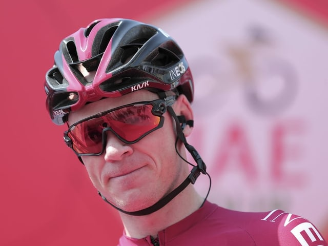 Chris Froome mit Radhelm