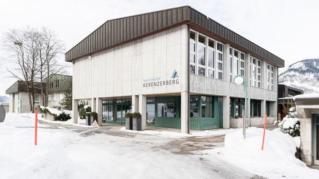 Sportzentrum Kerenzerberg im Schnee