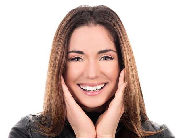 Foto einer lachenden Frau
