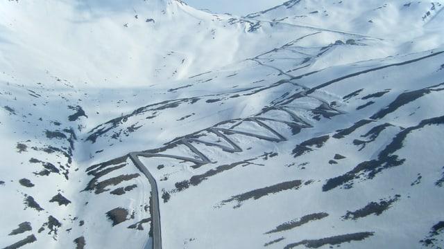 Kurven auf Schnee