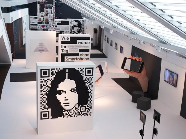 Blick in den Ausstellungsraum im Vögele Kulturzentrum.
