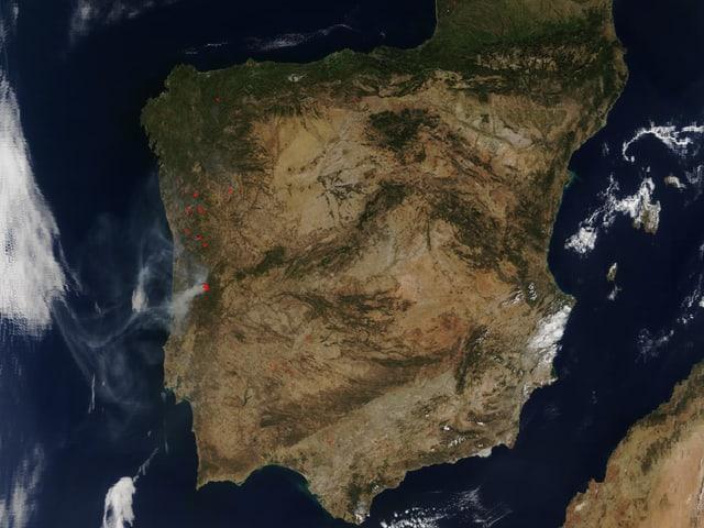 Bild von Portugal, links Rauchwolken