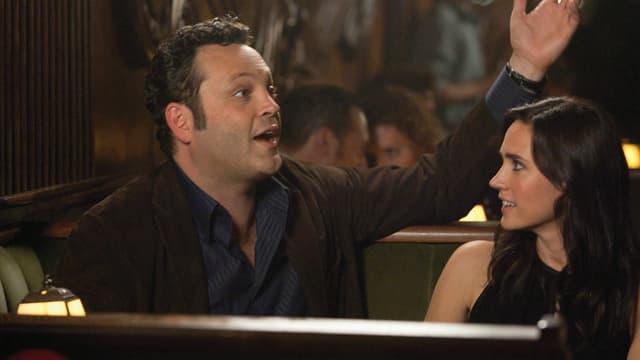 Vince Vaughn als Ronny, Jennifer Connely als Beth.