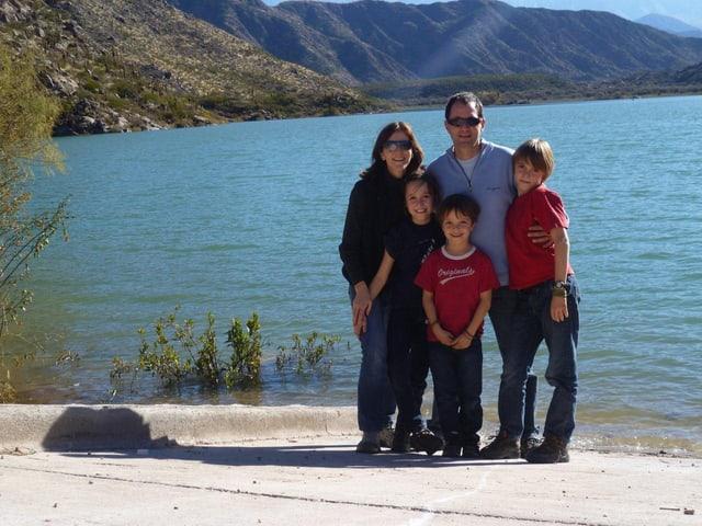 Familie Ruch, am Strand in Argentinien