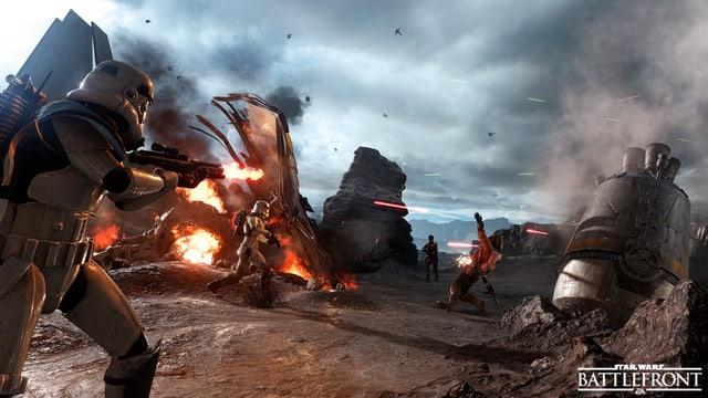 Ein Stormtrooper im Feuergefecht zwischen Versorgungscontainern.