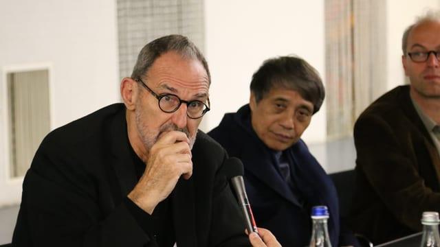 Thom Mayne e Tadao Ando durant la conferenza da medias.