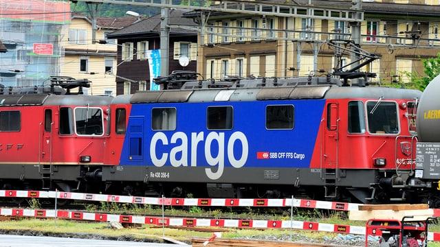 SBB-Cargo-Wagen auf schiene
