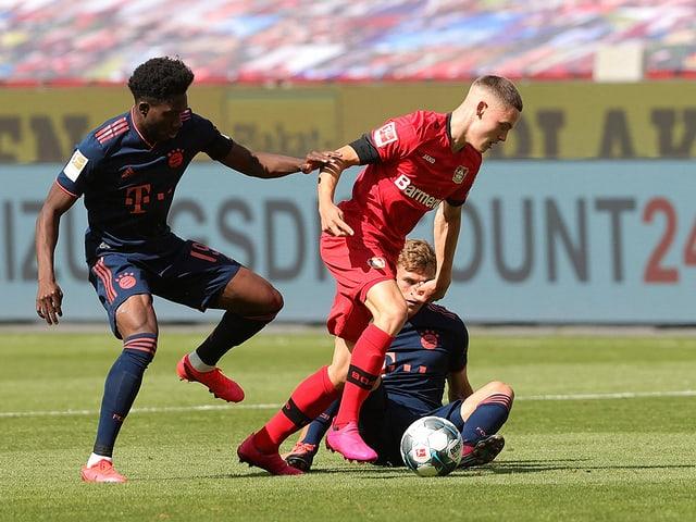 Leverkusens Florian Wirtz traf gegen die Bayern zum 4:2 und ist mit 17 Jahren und 34 Tagen neu der jüngste Bundesliga-Torschütze.