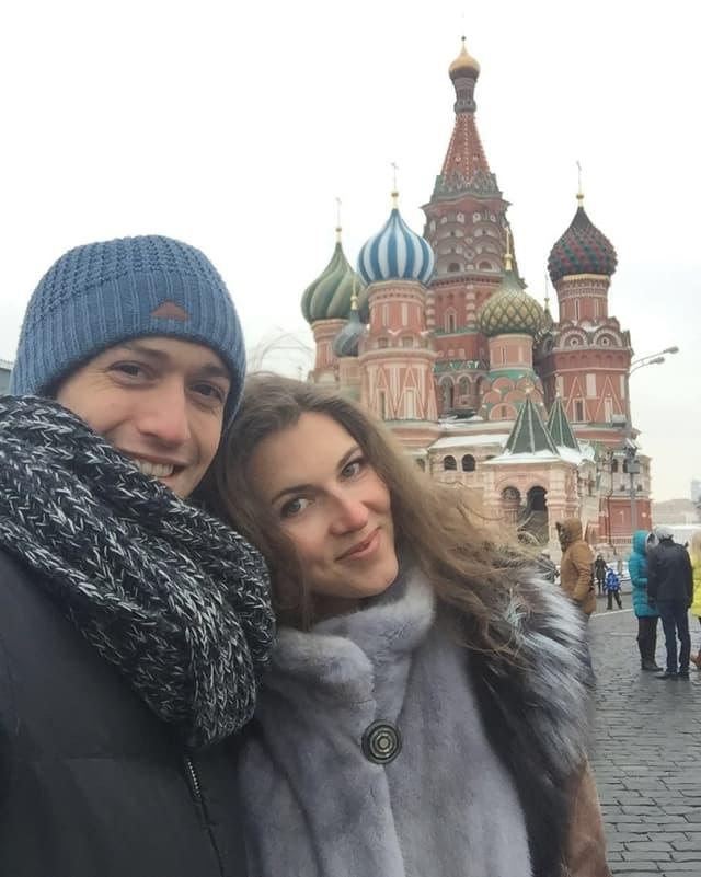 Svetlana zusammen mit ihrem Freund Keiran auf dem Roten Platz