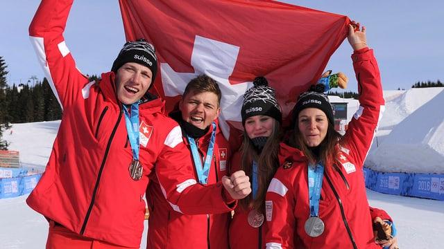 Sascha Rueedi (Skicross), Pascal Bitschnau (Boardercross), Sophie Hediger ( Boardercross) eTalina Gantenbein (Skicross), da sen.