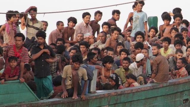 ina bartga plain fugitivs en la mar indonaisa
