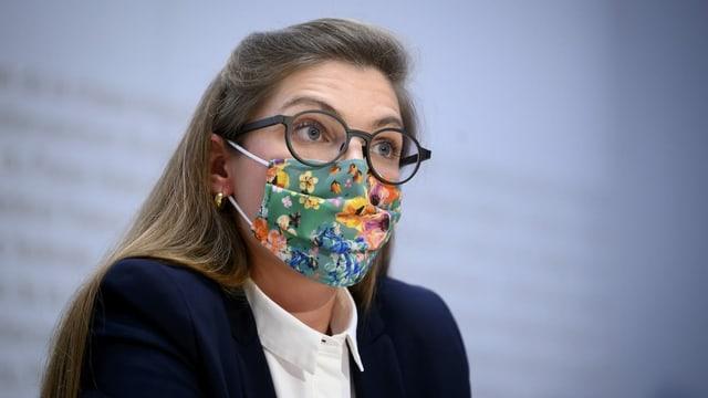 Franziska Ryser an der Medienkonferenz.