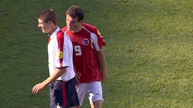 Alex Frei bespuckt Steven Gerrard