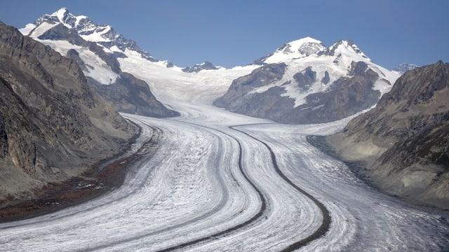 Blick über den Aletschgletscher zum Konkordiaplatz.