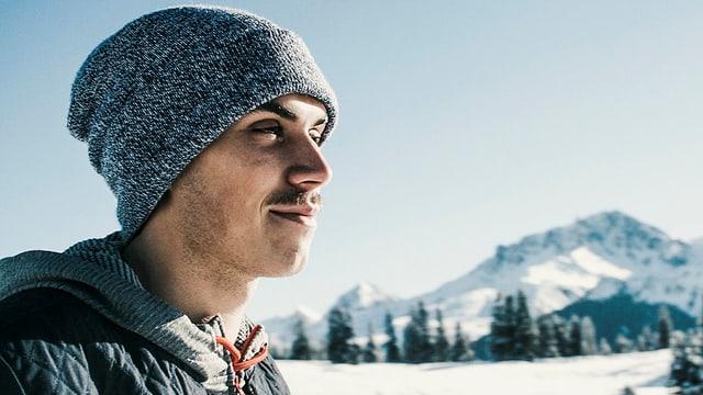 Elias Ambühl in den Bergen