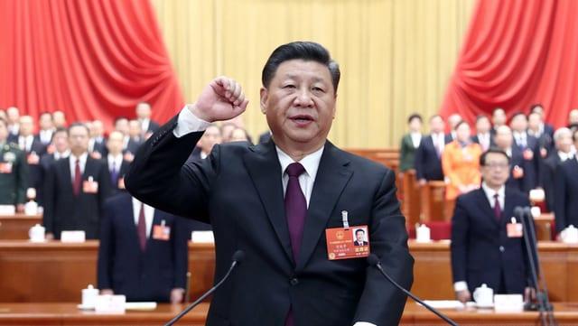 Xi Jinping am Rednerpult.