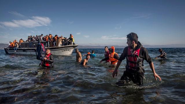 120 Flüchtlinge aus Syrien und Irak landen auf Lesbos.