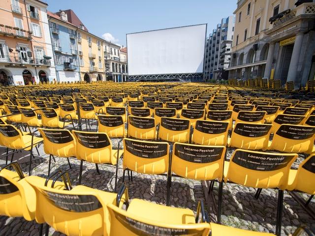 Stühle an der 70. Ausgabe Locarno.