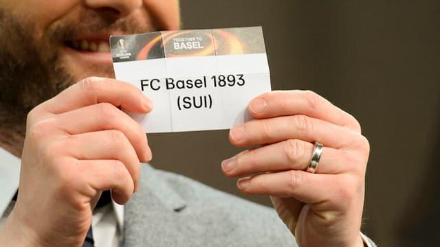 In cedel cun il num dal FC Basilea.