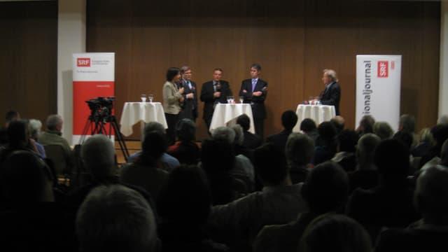 250 Zuschauer im Pfarreizentrum Brig.