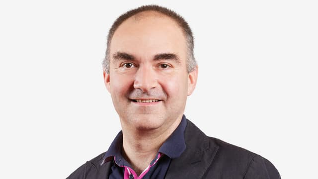 Der frühere SRF-Italien-Korrespondent Massimo Agostinis arbeitet heute als SRF-Wirtschaftsredaktor.