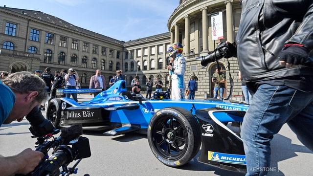 auto da cursa blau.