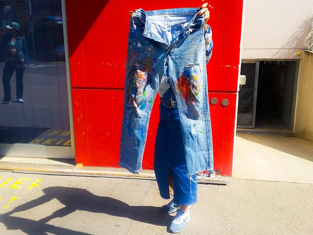 farbige alte Jeans