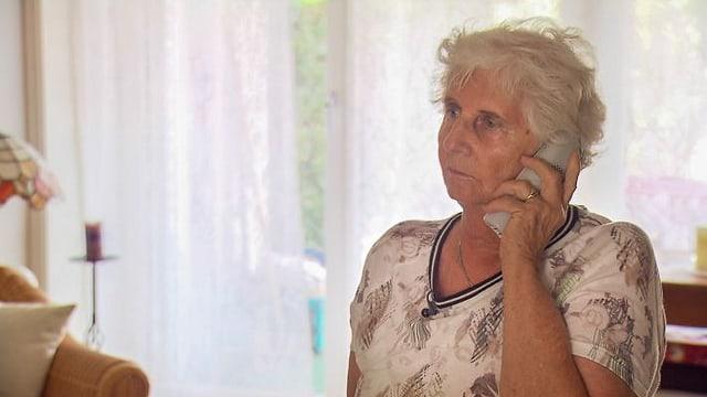Video «Achtung Trickbetrüger – Gefahr für Senioren» abspielen