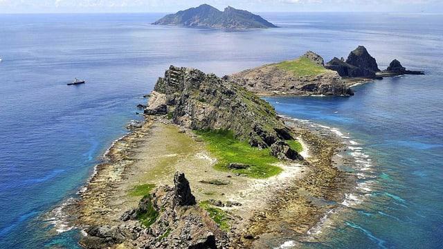 Vogelsicht auf die Inselgruppe Senkaku.