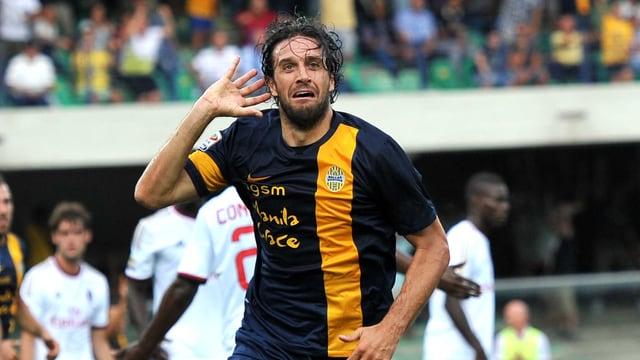 Luca Toni hat mit 2 Toren aufhorchen lassen.