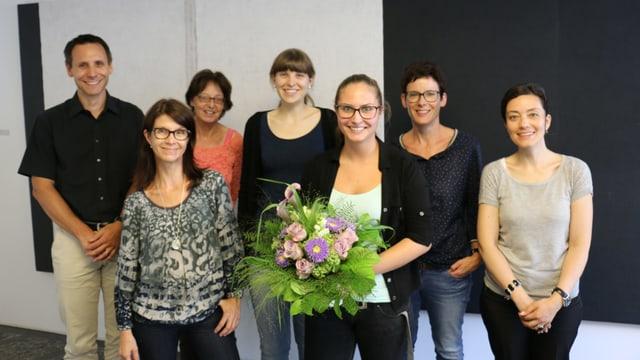 Il team da RTR che ha accumpagnà Tanja Derungs durant l'emprendissadi.