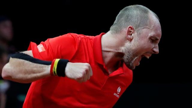 Steve Darcis bejubelt seinen Sieg gegen Thompson.