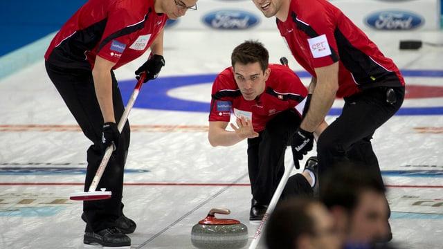 Die Curler um Skip Peter De Cruz setzten sich gegen Tschechien und Dänemark durch.