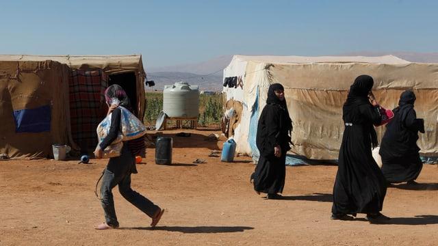 Flüchtlinge in einem informellen Lager in Libanon