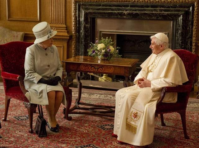 Benedikt XVI. und die Queen