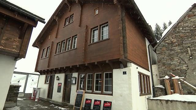 Video «Restaurant zum Dörfli in Hospental (UR) - Tag 1» abspielen