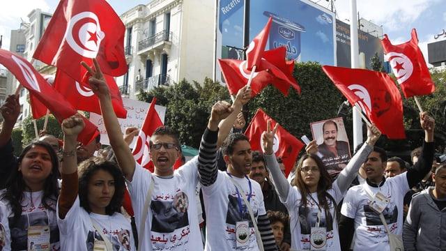 Demonstranten in Tunis