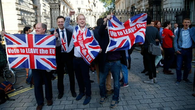 Brexit-Unterstützer feiern ausserhalb von Downing Street in London am 24. Juni 2016.