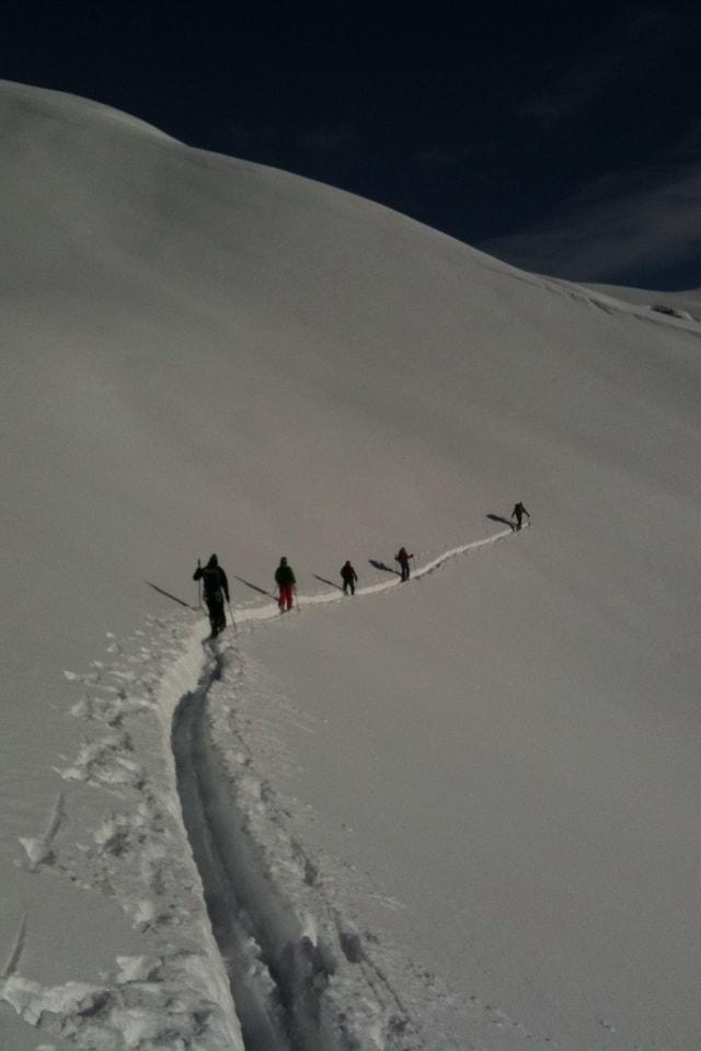 Die Schneewanderer sind in Kandersteg gestartet und sollten heute das Mutthorn auf gut 3000 Metern Höhe erreichen.