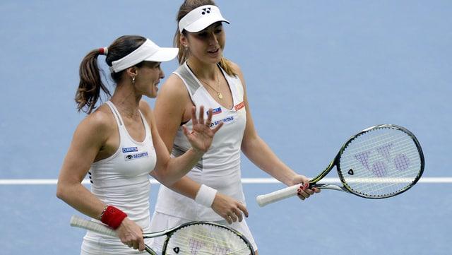 Martina Hingis (san.) e Belinda Bencic (dre.)