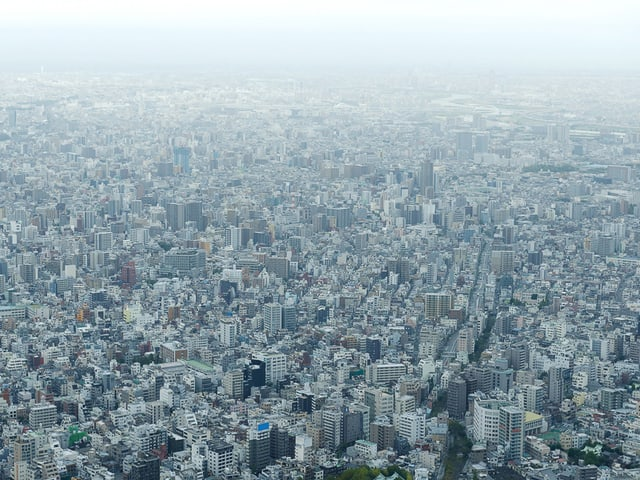 Eine Aufnahme von Tokio aus der Luft.