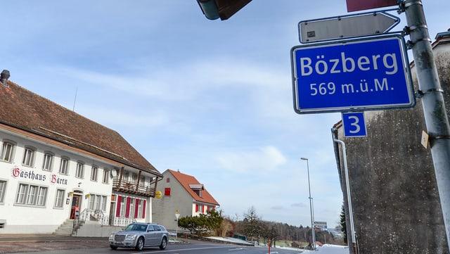 Schild Bözberg auf Passhöhe