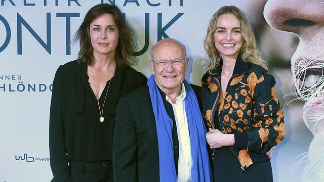 Volker Schlöndorff mit Schauspielerinnen Susanne Wolff (links) und Nina Hoss.