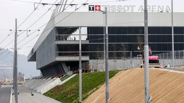 Das Gelände rund um die Tissot-Arena gleicht einer Baustelle.