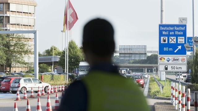 Grenzwaechter an Schweiz-Deutschland-Grenze