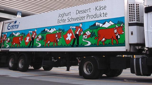 Bild eines Lastwagens des Milchverarbeiters Emmi.
